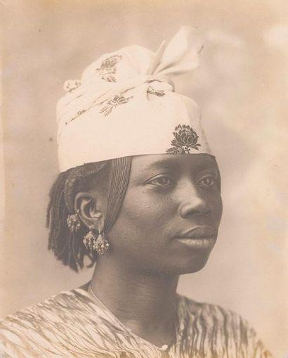 Portrait de femme sénégalaise. Grand tirage...