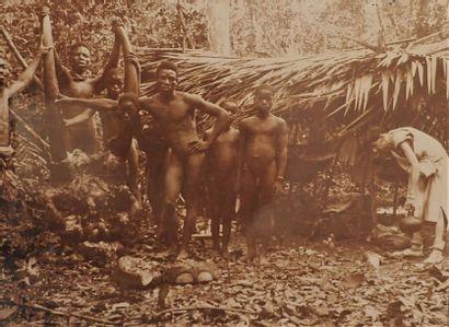**1905. Afrique Noire, c. 1905.  Album petit...
