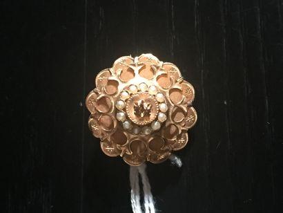 Broche en or jaune 750 °/°° (18 K) et perles,...
