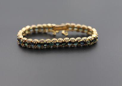 Bracelet en or jaune 585°/°° composé de maillons...