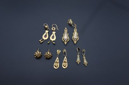 Lot de bijoux en or comprenant : 4 paires...