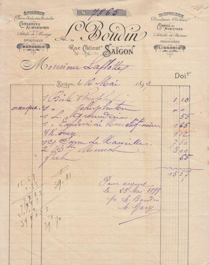1899  Une chemise contenant 14 factures à en-tête des entreprises de Saïgon datant...