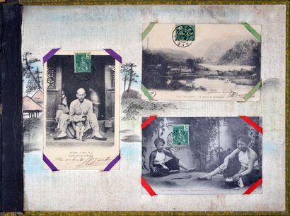 Hanoï et Tonkin, 1900-1910  Collection de cartes postales montée sur un album cartonné...