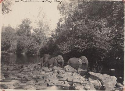 1929  Deux albums photographiques de Lucien Vincent Loubet (1905-XXe).  Période...