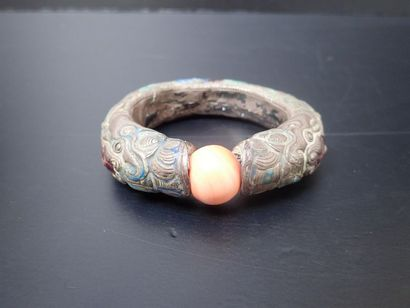 Bracelet en métal partiellement émaillé à...