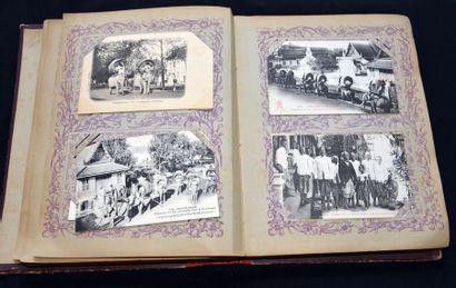 Indochine Française. Cartes postales. Reliure cuir éditeur (Dieulefis). Un ensemble...