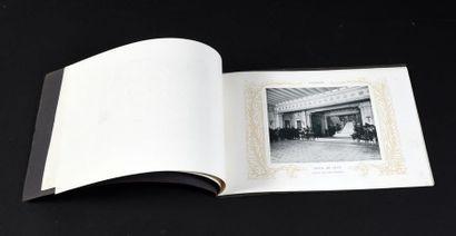 1908. HOTEL DE VILLE DE SAIGON.  Petit livret imprimé (sans date) contenant 12 photographies...