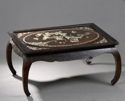 TABLE BASSE EN BOIS EXOTIQUE, LE PLATEAU...