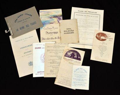 1920. ENSEMBLE DE DEPLIANTS PUBLICITAIRES, PROSPECTUS ET MENUS ISSUS DES LIEUX BALNEAIRES...
