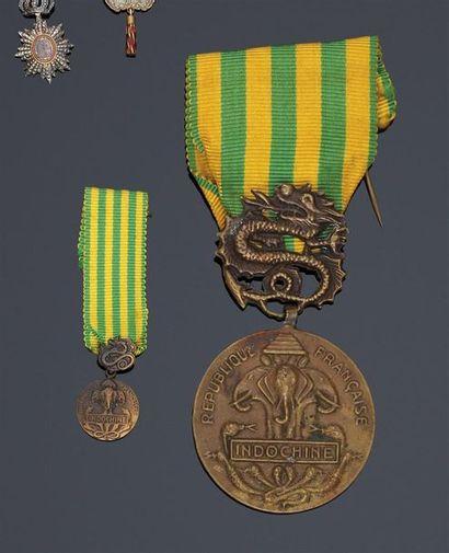 1945. Campagne d'Indochine 1945-1954. Médaille miniature commémorative de l'Indochine...
