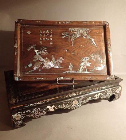 Socle de cabinet rectangulaire en bois exotique...