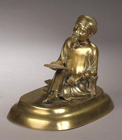 Le Lettré.  Statuette en bronze à patine...