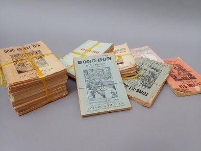 Lot d'environ 70 volumes brochés en viêtnamien,...