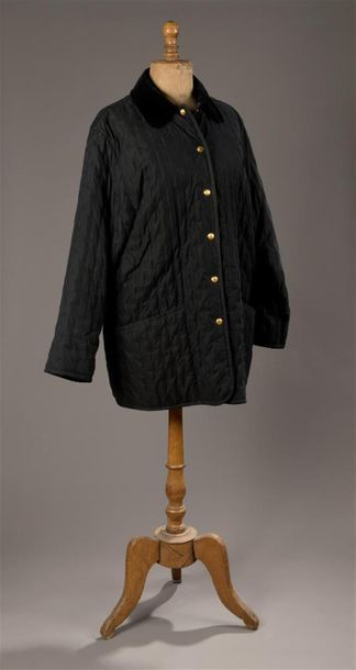 Hermès - Veste caban en tissu matelassé noir....