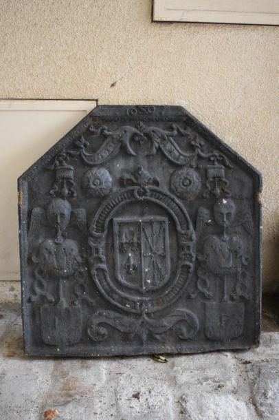 PLAQUE DE CHEMINEE en fonte de fer, XVIIe...