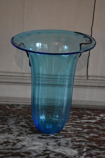 MURANO, XXe siècle IMPORTANT VASE en verre,...