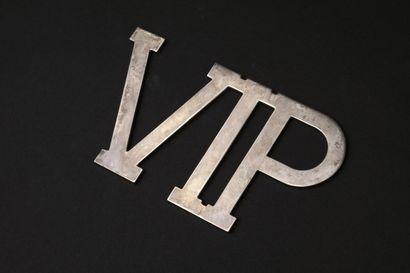 BVLGARI  Logo VIP en argent.  Poids 125 ...