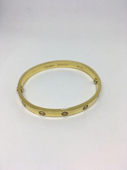 CARTIER  Bracelet en or jaune modèle Love....