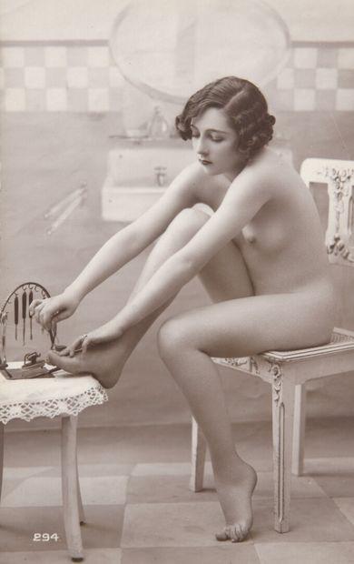 Jambes croisées, Les Pieds sur la table,...