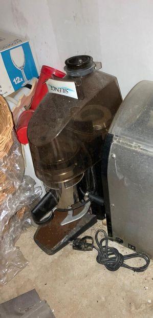 Un moulin à café