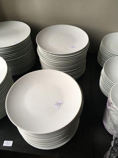 Lot d'assiettes D.28 cm