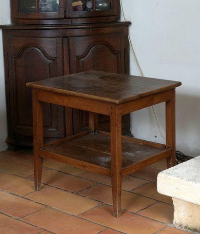 Petite table en noyer fin du XIXe siècle...