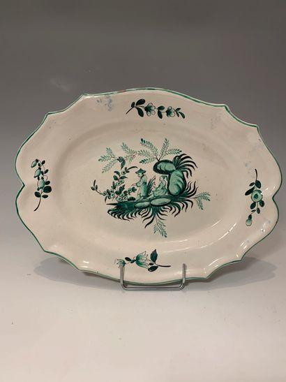 EST, XIXe siècle - Plat ovale en faïence...