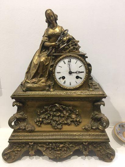 Pendule en bronze ciselé et doré d'époque...