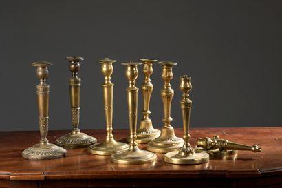Paire de bougeoirs en bronze d'époque Empire...