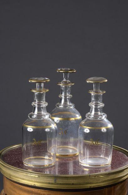 Service de verres en cristal à filet doré monogrammé AD, vers 1860  Il comprend...