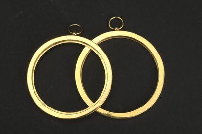 Deux cadres ronds en vermeil  D. 6,8 cm Poids 78,2 g