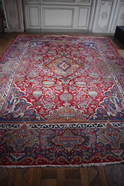 Important tapis Kashmar en fil de laine,...