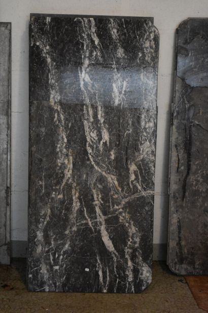 Marbre gris veiné blanc d'époque Louis-Philippe...