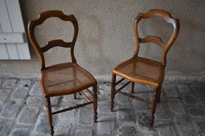 Paire de chaises cannées en bois naturel,...