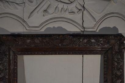 Cadre en bois naturel mouluré et sculpté d'époque Régence  73 x 63 cm  55 x 44 cm...