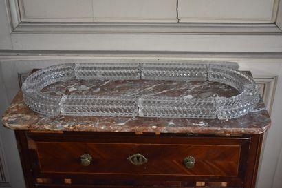 BACCARAT  Centre de table en cristal, composé...