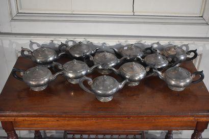 CHRISTOFLE  Lot de onze théières en métal...