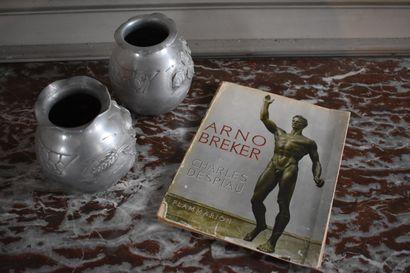 LOT comprenant un livre d'Arno Becker, deux...