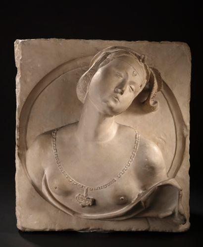 TRES HAUT RELIEF en plâtre dans le goût néo-Renaissance...