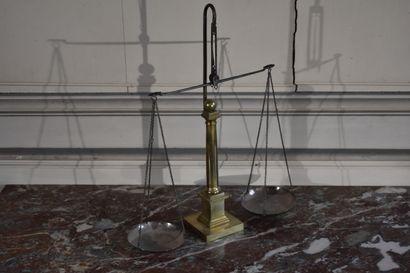 Balance de changeur en laiton, XIXe siècle...