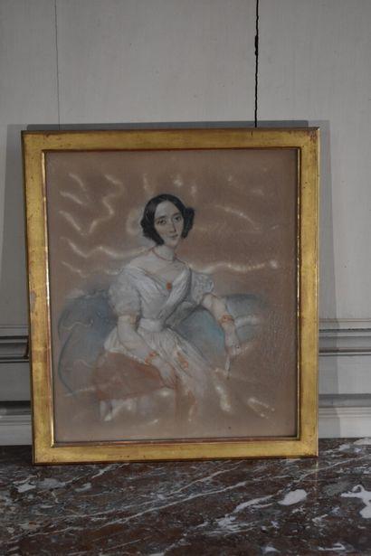 Ecole française vers 1840  Portrait de femme...