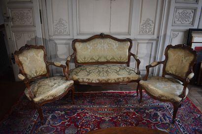 Partie de salon comprenant une paire de fauteuils...