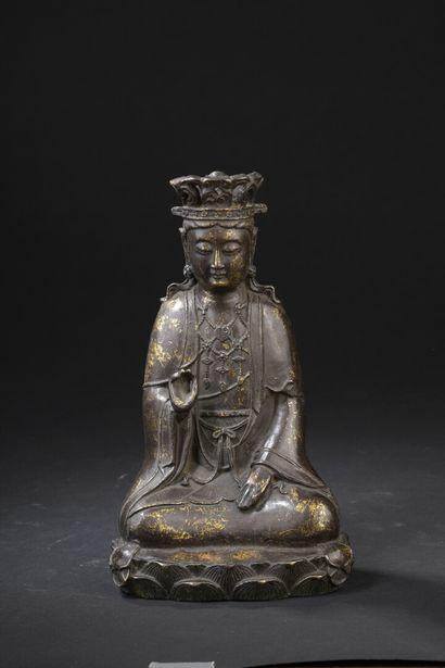 Statuette de bodhisattva en bronze  Chine,...