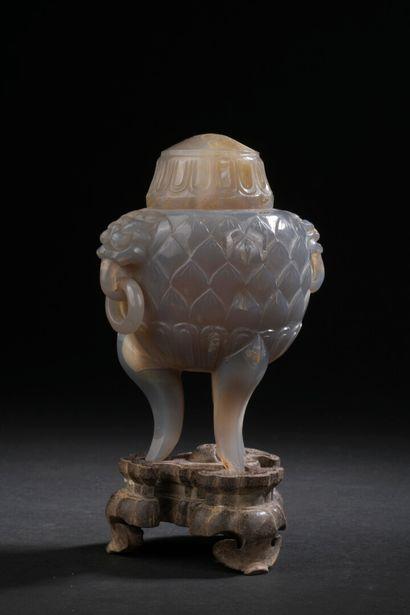 Brûle-parfum tripode couvert en agate  Chine,...