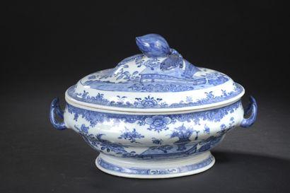 Terrine couverte en porcelaine bleu blanc...