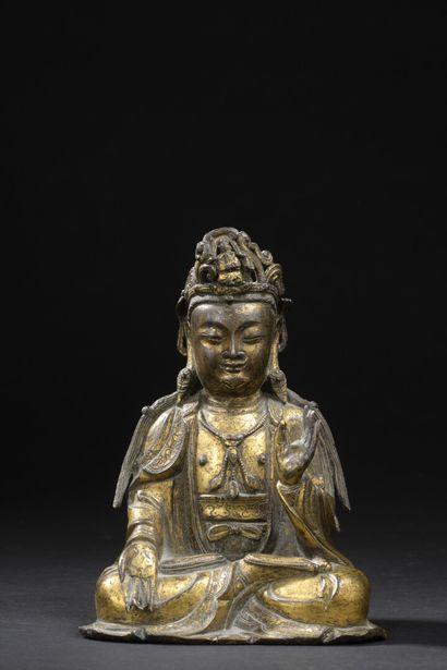 Statuette de bodhisattva en bronze doré  Chine,...