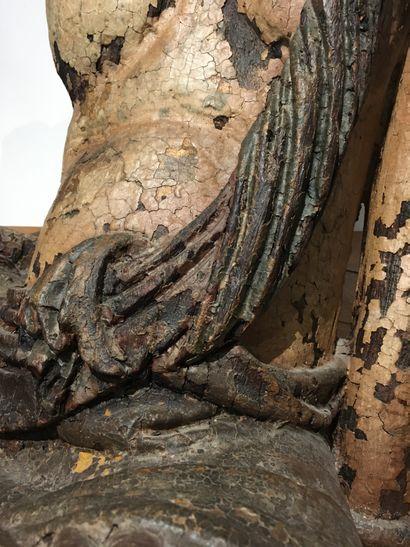 Grande sculpture de Bodhisattva Guanyin en bois laqué  Chine, début du XXe siècle...