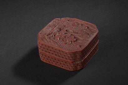Boîte en laque rouge sculptée  Chine, XVIIIe...