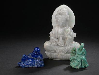 Trois statuettes en jadéite, lapis-lazuli...
