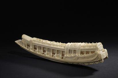 Barque en ivoire de Canton  Chine, début...